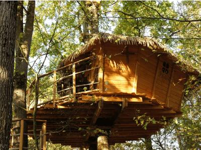 Cabane des écureuils (3 à 5 pers) à partir de 165 €
