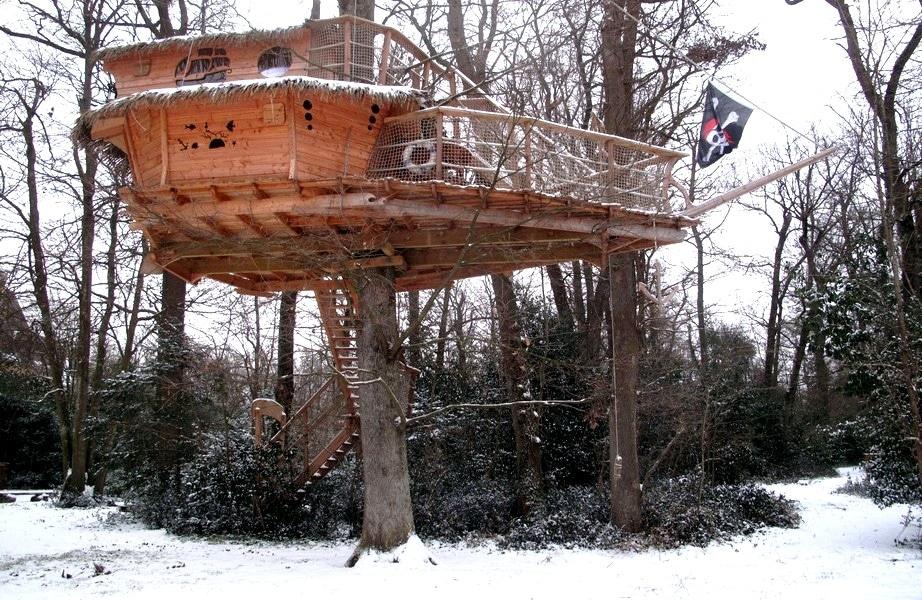 la cabane des moussaillons une cabane dans les arbres pour toute la famille. Black Bedroom Furniture Sets. Home Design Ideas